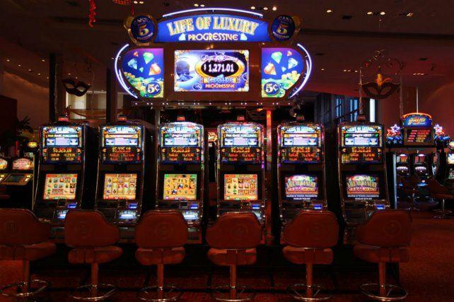 Los concejales del Frente Progresista proponen plantear nuevas condiciones de funcionamiento al Casino de Santa Fe. Advierten por la ludopatia.