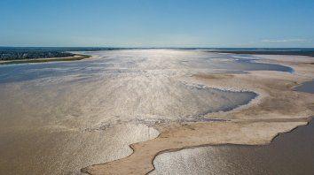 Bajante de la laguna Setúbal abril 2020