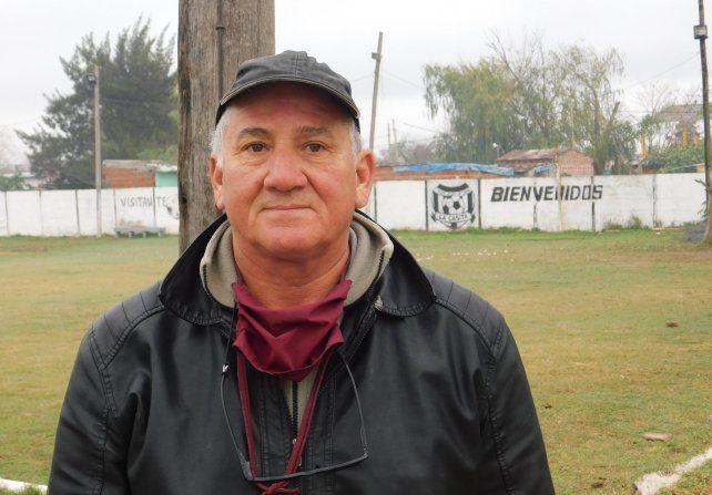 Adolfo Martínez es el presidente del Club Deportivo Santa Rosa de nuestra capital.