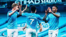 Manchester City y vapuleó al campeón Liverpool