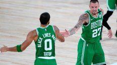 Los Celtics le dieron un duro golpe al campeón de la NBA