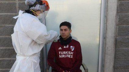 Gonzalo Montiel, defensor de River, dio positivo en el test serológico por coronavirus.
