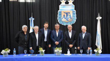 Fútbol argentino: cónclave para definir la fecha de regreso