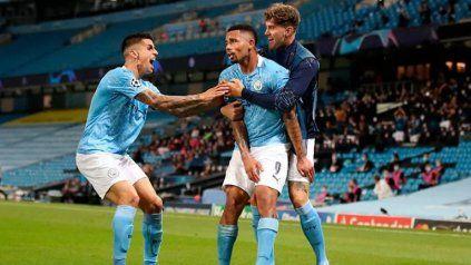 Manchester City y Lyon definen el último semifinalista de la Champions League.