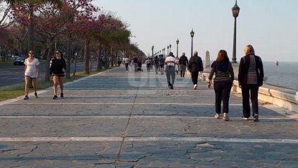 [Galería de fotos] Alta circulación de la población en espacios públicos este sábado