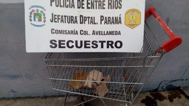 Dias pasados, del mismo local - ubicado frente a la Policía - había sido robado un changuito de supermercado.