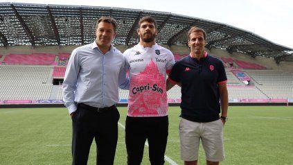 El concordiense (al centro) junto a Gonzalo Quesada (derecha), quien será su entrenador.