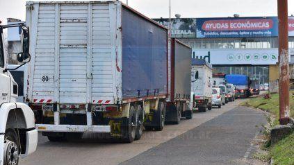 Exigencia de hisopados: 153 vehículos no pudieron ingresar ayer a Santa Fe