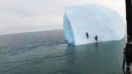 Viral: El alpinista suizo Michael Horn, debajo del iceberg