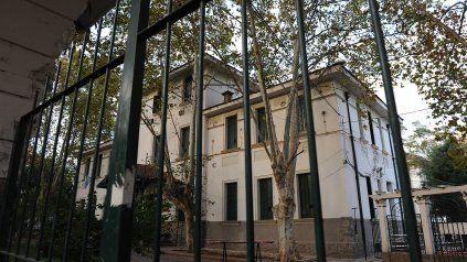El Hospital Agudo Avila, de Suipacha y Santa Fe.