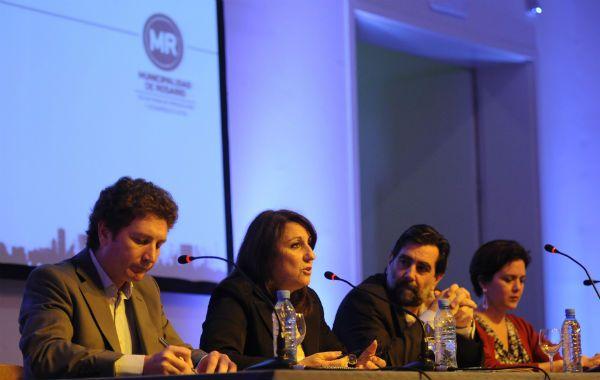 La intendenta Mónica Fein abrió las sesiones del workshop internacional sobre políticas de empleo en Rosario.