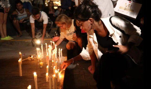 La joven testigo del crimen trabaja en un boliche y participó de la marcha de las velas.