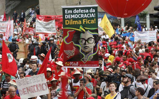 En democracia. Miles de manifestantes se solidarizaron con Dilma