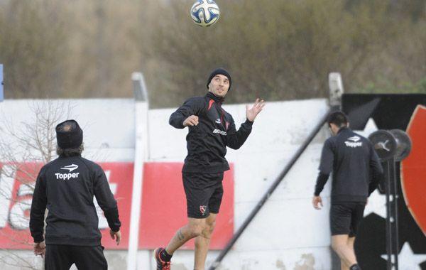 Nacho Scocco hizo una hora de fútbol en total entre los dos amistosos de esta mañana.