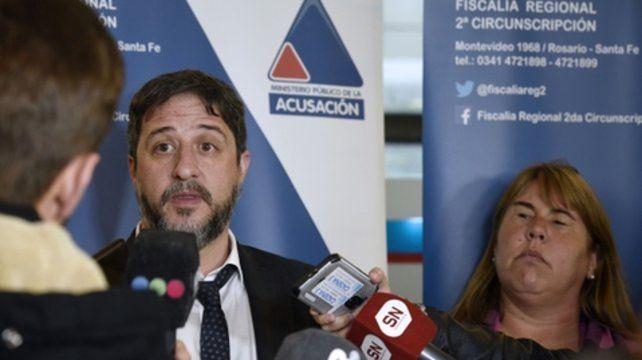 Fiscales. Matías Edery y la coordinadora Natalia Benvenutto explicaron ayer las novedades del misterioso caso.