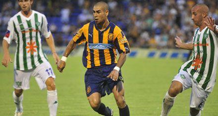 Central: Méndez reconoció que soñaba volver y que se emocionó al pisar el Gigante