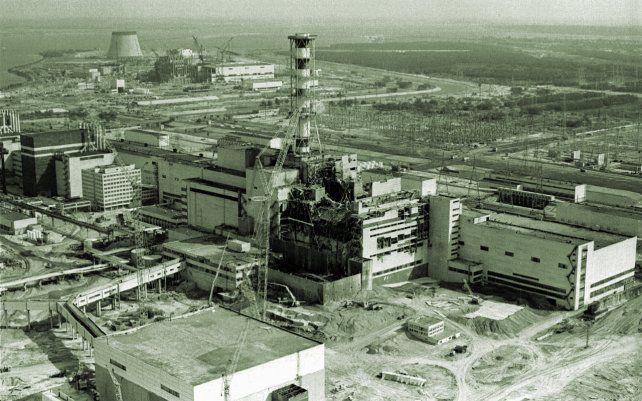 La silueta de la famosa central nuclear de Chernoby
