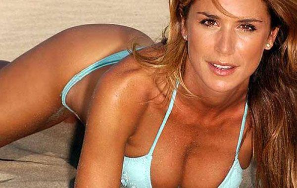 Ahora Falvia Palmiero subió fotos sexy de un backstage