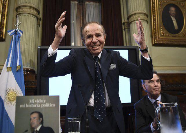Carlos Saúl Menem, expresidente y senador Nacional por La Rioja.