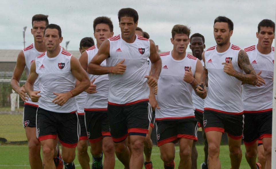 El plantel profesional entrenó esta vez bajo las órdenes de Picerni. (Foto Archivo S. Suárez Meccia)