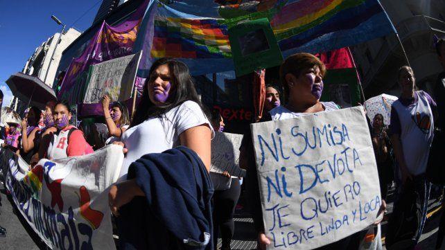 Reclamo. En Buenos Aires se realizó una marcha desde la Embajada de Bolivia y hasta la Plaza de Mayo.