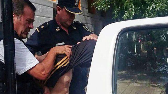 El albañil fue detenido en La Plata tras escapar con su pequeña hija.