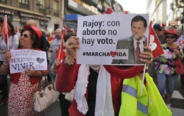 Bajo presión. Los grupos antiabortistas acusaron de traidor a Rajoy y llamaron a no votar por el Partido Popular.