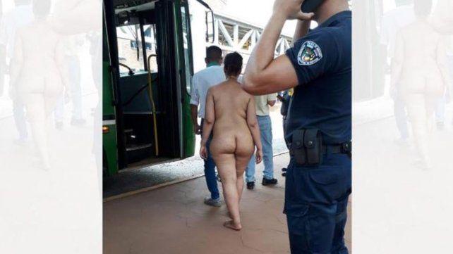 Una mujer se desnudó delante de cientos de pasajeros en una estación de ómnibus en Posadas