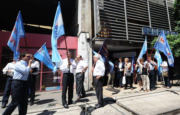 La Bancaria protestó por los despidos en el Banco Central, pero sin afectar la atención