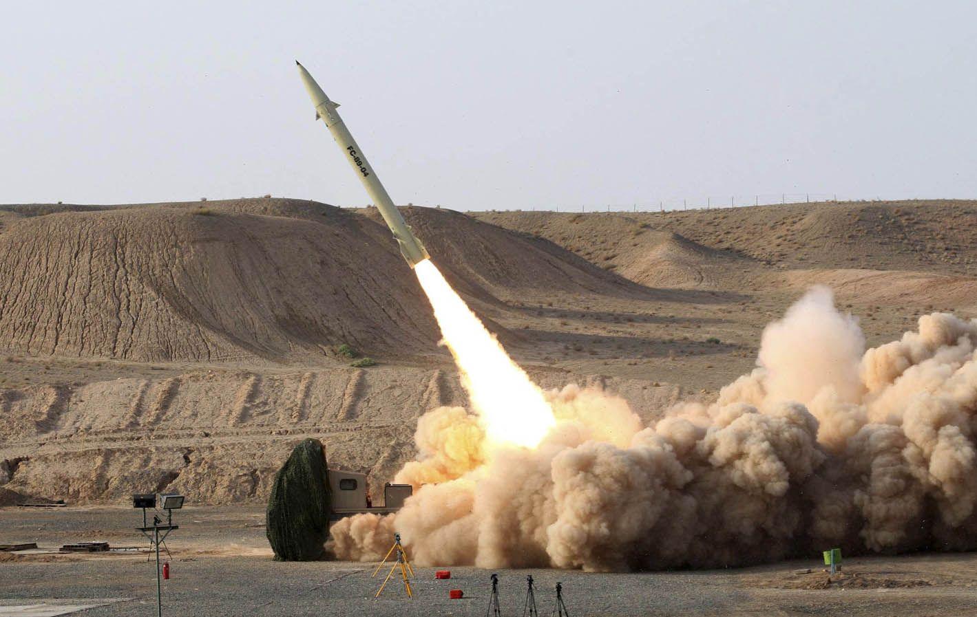 Arma estratégica. Un misil iraní Fateh-110 como los que destruyó Israel en Damasco. Tiene 300 km de alcance.
