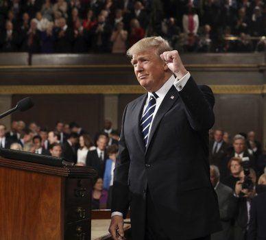 Exhorto. Trump comenzó su discurso ante los legisladores condenando los recientes episodios de violencia y amenazas contra la comunidad judía.