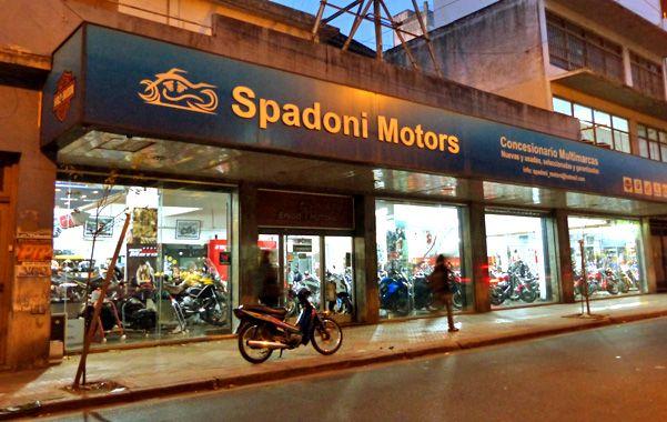 Allanado. Uno de los implicados tenía una concesionaria de motos en Rosario.