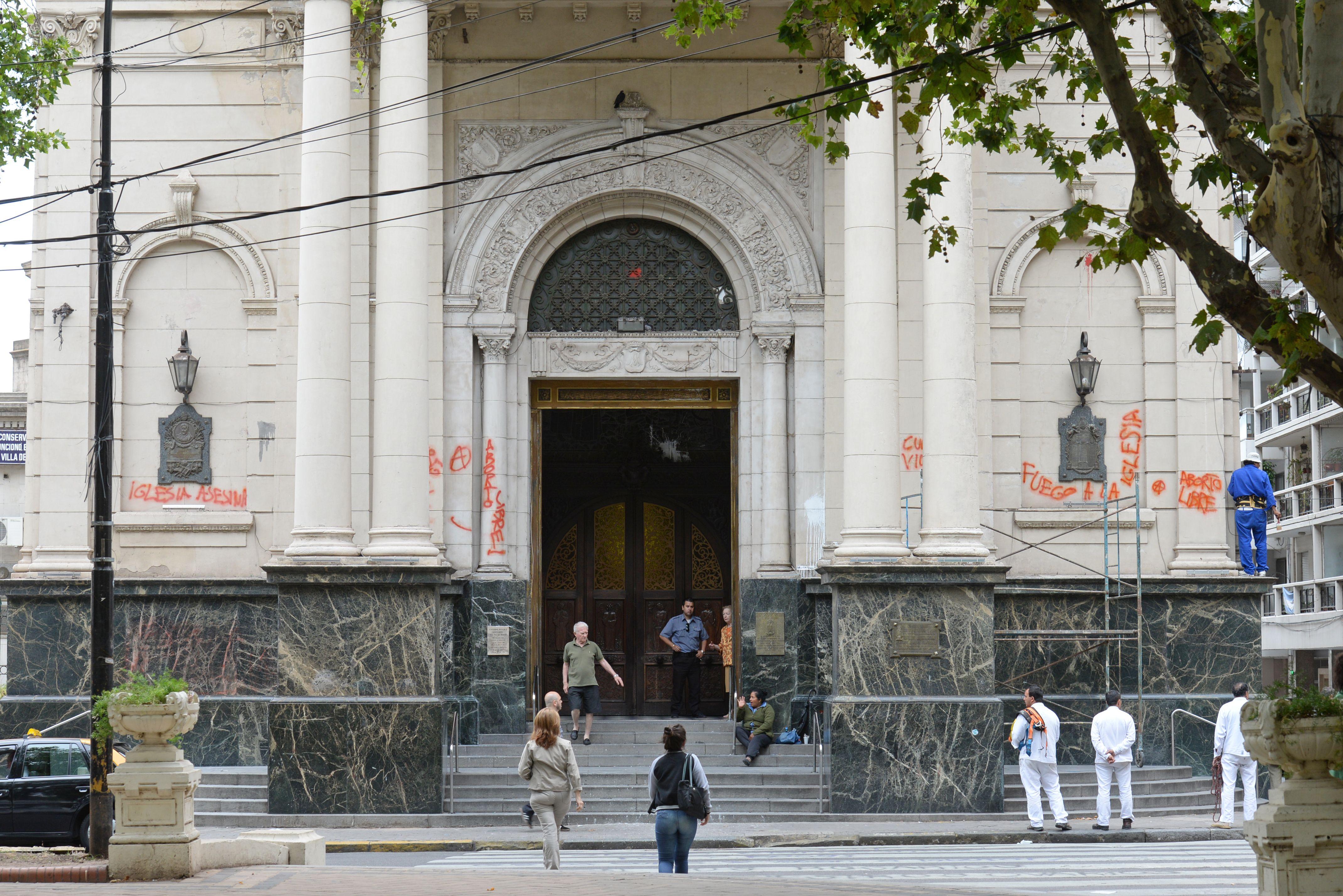 Así quedó la fachada del histórico edificio. (Foto: Silvina Salinas).