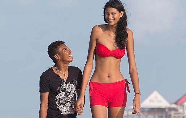 Felices. Elisany Silva da Cruz y su novio