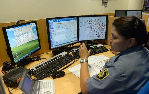 en equipo. El centro de control del servicio 911 articulará acciones con la base municipal de videovigilancia.(E.Rodríguez)