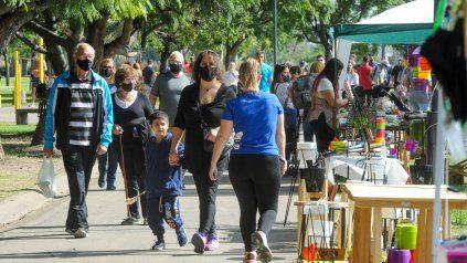 Fin de semana. Los parques volvieron a ser una muestra más de la circulación constante que no cesó pese a que la tensión del sistema sanitario lleva más de 15 días.