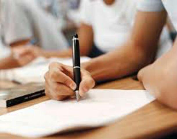 Los alumnos de los profesorados cuestionan los planes de estudio.