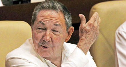 Cuba: Raúl anuncia un ajuste que afectará a un millón de estatales