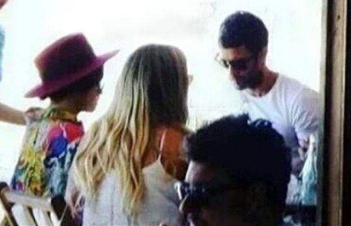 La actriz y cantante estuvo en Punta del Estey fue acompañada su novio