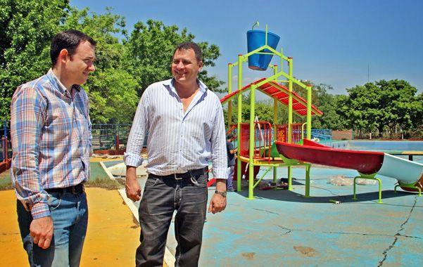 """Satisfecho. Raimundo (derecha) habló de una """"importante inversión""""."""