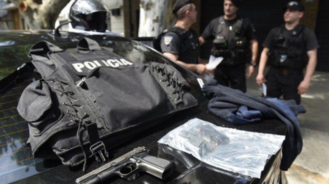 Secuestro. Los maleantes llevaban chalecos policiales y un arma oficial.