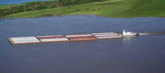 El transporte en la hidrovía es clave para el desarrollo regional.