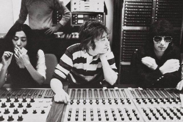 Reunión cumbre. Yoko Ono