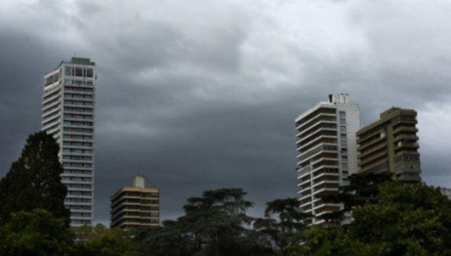 Hay alertas por viento y tormentas fuertes para Rosario y la región