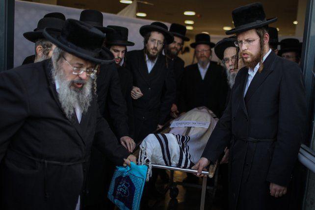 El funeral de una de las víctimas de la avalancha. Es lapeor tragedia que registra Israel desde un incendio en 2010.