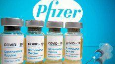 La vacuna de Pfizer utiliza una tecnología innovadora denominada ARN mensajero que se aplica en dos dosis vía intramuscular, la segunda 28 días después de la primera.