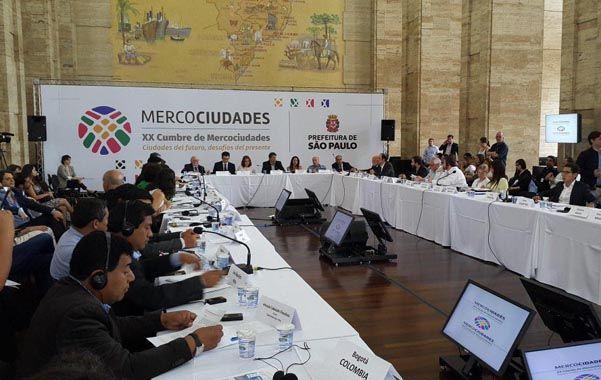 En San Pablo. El intendente Corral participó junto a líderes latinoamericanos de la XX Cumbre de Mercociudades.