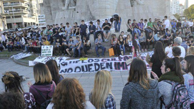 La marcha en reclamo de justicia culminó ayer en el Monumento a la Bandera.