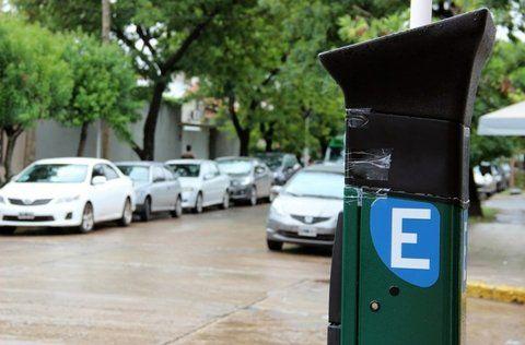Dudas. El flamante estacionamiento medido sanlorencino aflige a los docentes ante el comienzo de clases.