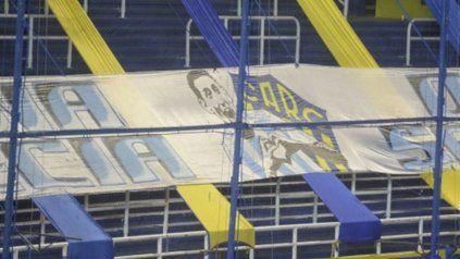 Di María le agradeció a los hinchas de Central por la bandera que colgaron en el Gigante